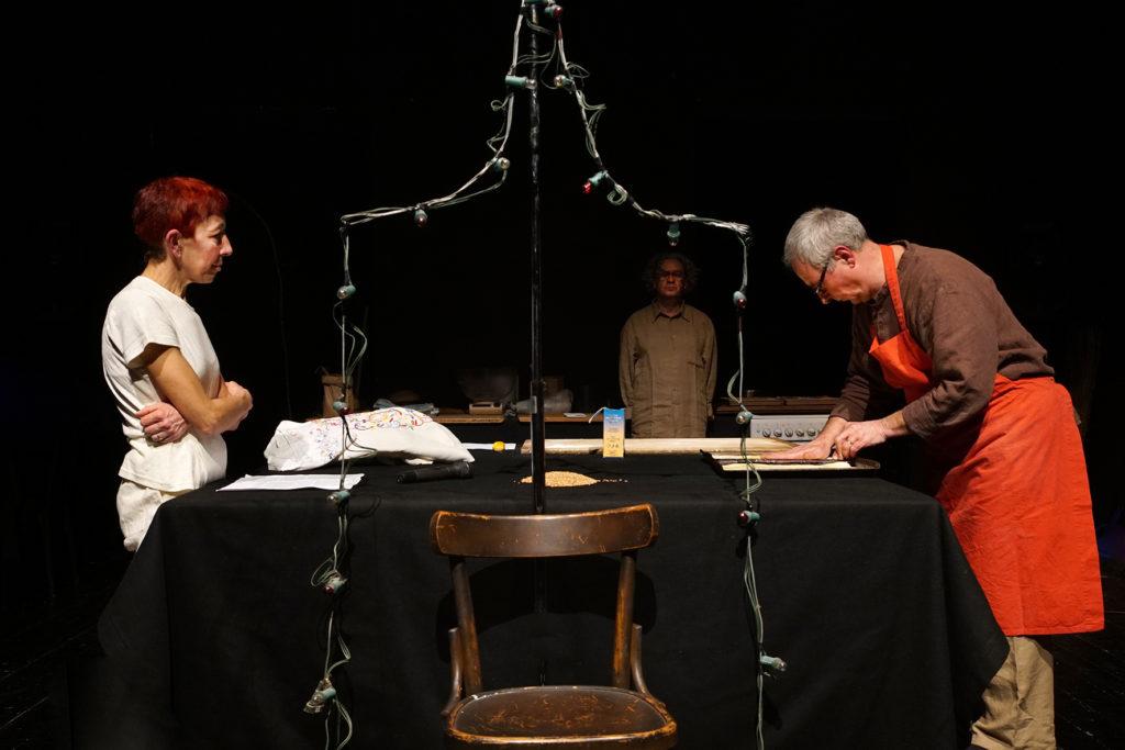 """""""Tutto quello che so del grano"""" di Teatro delle Ariette - foto Stefano Vaja"""